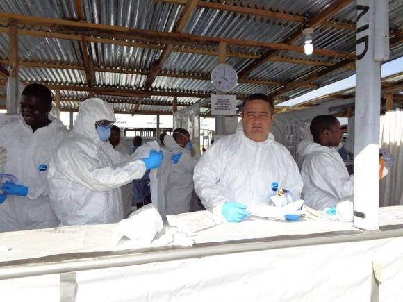 ebola-cuba-entrevista-a-medico-de-niger-en-liberia-13-580x435