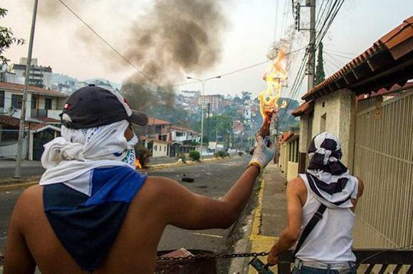 violencia-derecha-oposicion-venezuela-580x386