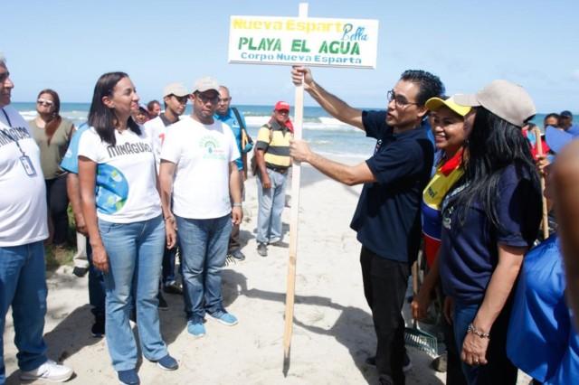 Nueva-Esparta-Bella-acondicion-43-playas-para-la-recepcin-de-turistas-y-residentes[1]
