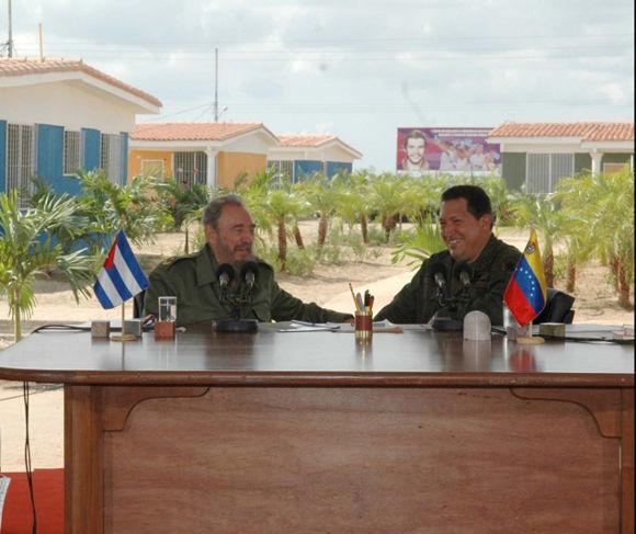 Fidel-Castro-y-Hugo-Chvez-3[1]